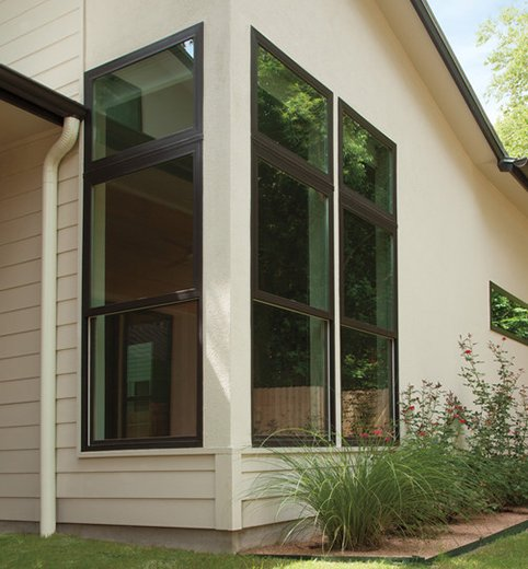 Andersen® 100 Series windows come in beautiful, dark colors that will set your home apart.