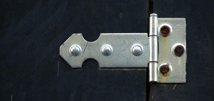 how to fix a squeaky door hinge